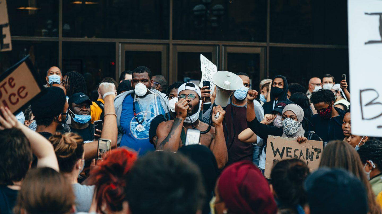 Protesty w Minneapolis po śmierci Afroamerykanina George'a Floyda
