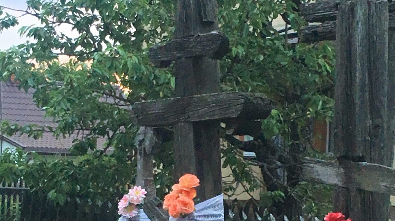 krzyże prawosławne witające przyjezdnych w Orzeszkowie