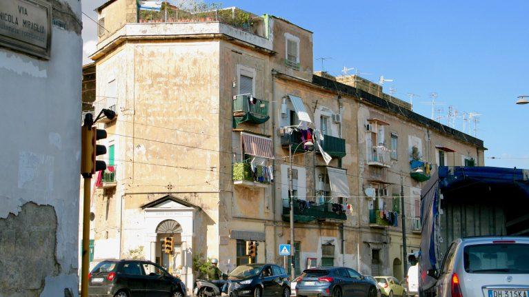 piazza Nazionale - jedno z miejsc uwiecznionych w powieściach Ferrante